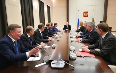 Путин обсудил с Совбезом ситуацию вокруг православной церкви на Украине