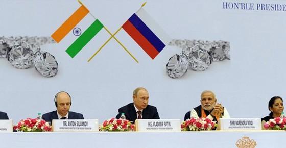 На пути к отказу от доллара: Индия и Россия на пороге валютного соглашения