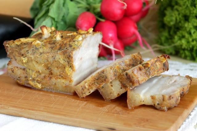Запеченное сало с горчицей