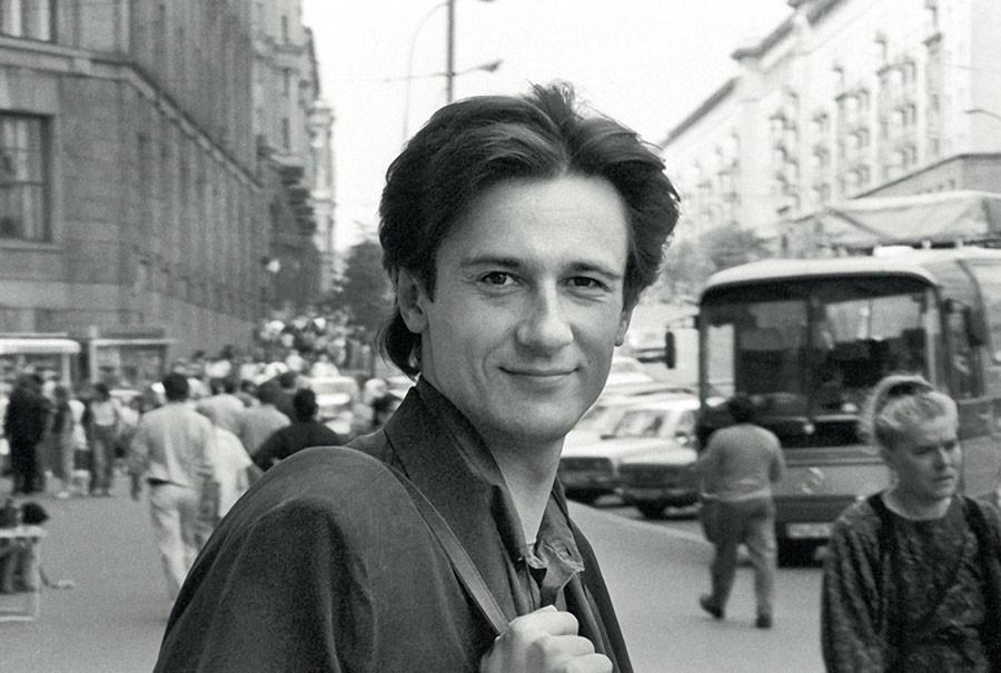 Популярные актёры современного кино в лихие 90-е