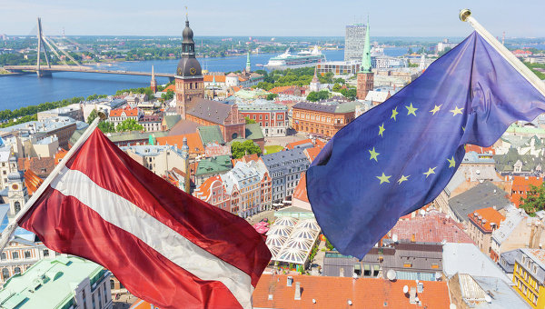 """В ЕП британцы назвали Латвию """"микрокосмосом всех ошибок Евросоюза"""""""