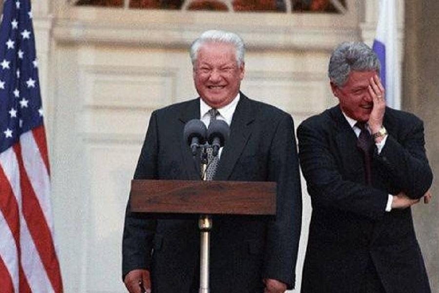 Клинтон — Ельцину: мы не для того 50 лет работали