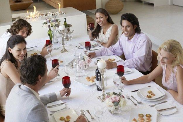 Секреты удачной сервировки: что должно быть на столе, если пришли гости