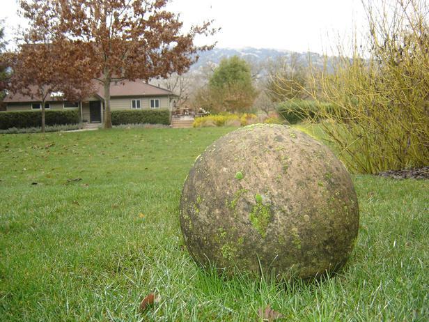Декоративные шары из цемента для сада. Идеи и мастер-класс (28) (616x462, 75Kb)