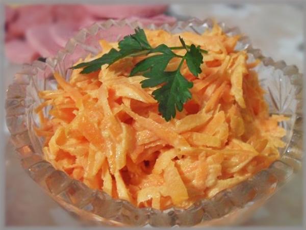 Салат из моркови с майонезом и чесноком рецепт