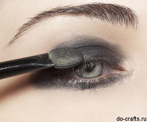 Как делать макияж глаз31