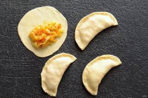 Овощные чебуреки - фото шаг 7