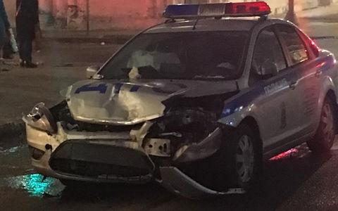 Автомобиль ДПС протаранил Lexus, превратив седан в хэтчбек
