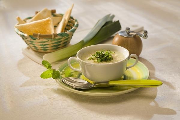Крем-суп с луком пореем