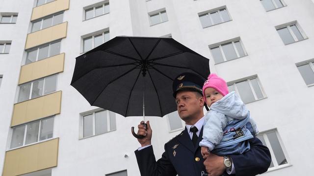 Владимир Путин запретил увольнять военнослужащих, оставшихся без жилья