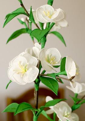 Веточка цветущей вишни из гофрированной бумаги. Мастер класс
