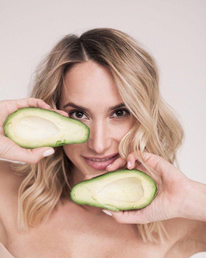 Витаминный чемодан: Мария Кравцова рассказала о пользе авокадо