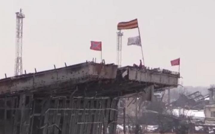 Новости Новороссии 15 января 2015 года: ополченцы ДНР и ЛНР отбили аэропорт у ВСУ, Донецк снова под обстрелом, ВСН наступают