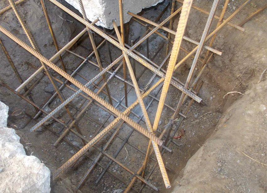 Как укрепить фундамент старого дома
