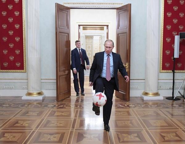 Путин поздравил Черчесова исборную свпечатляющей победой