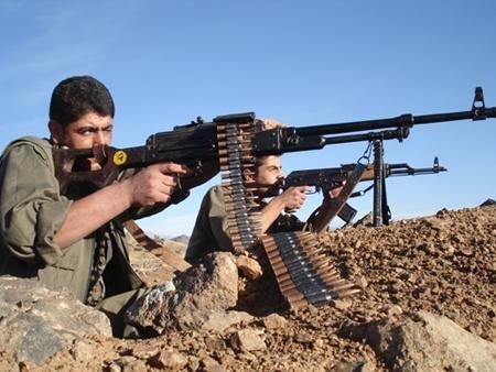 Курдские партизаны в кантоне Африн застрелили лидера боевиков