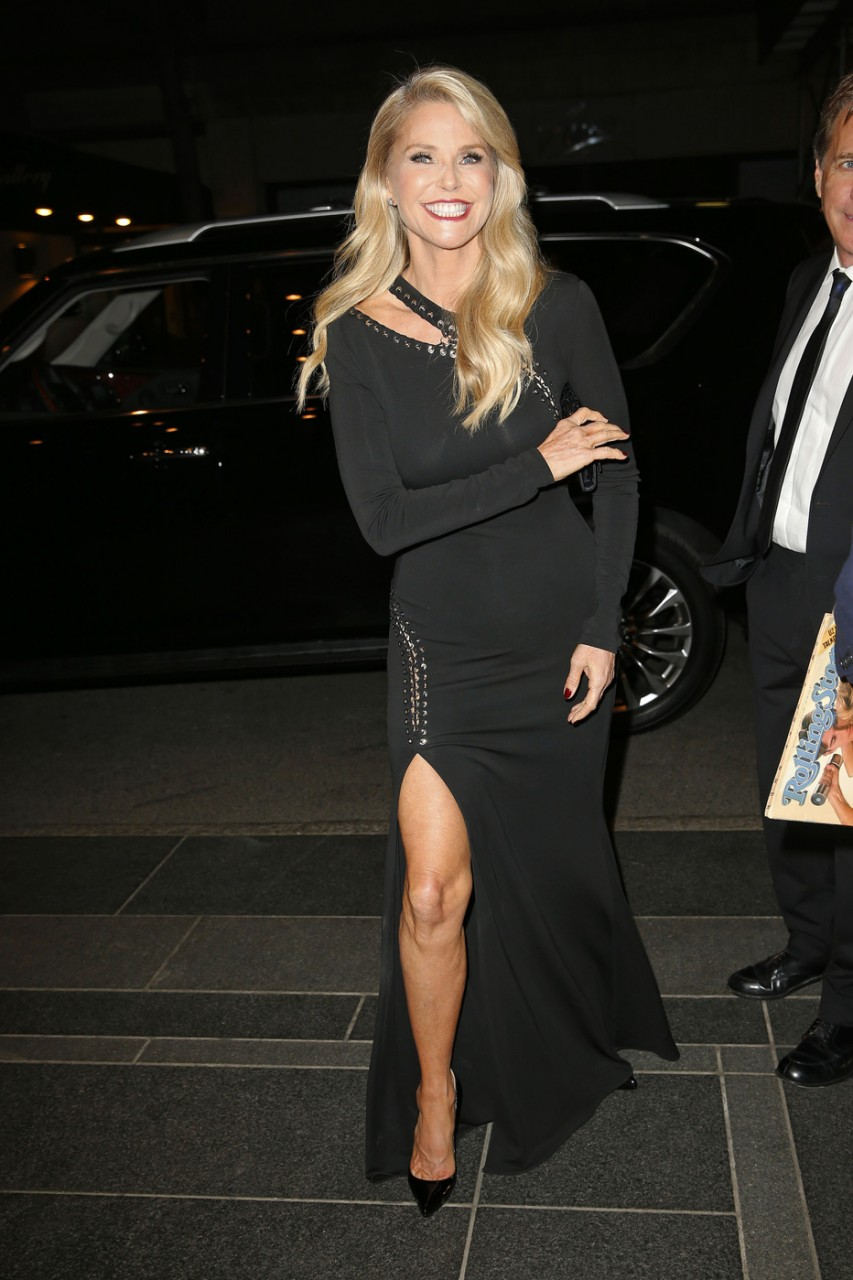 EXCLUSIVE: Christie Brinkley wears an all black ensemble as she arrives at the Carlyle Hotel for dinner in New York City