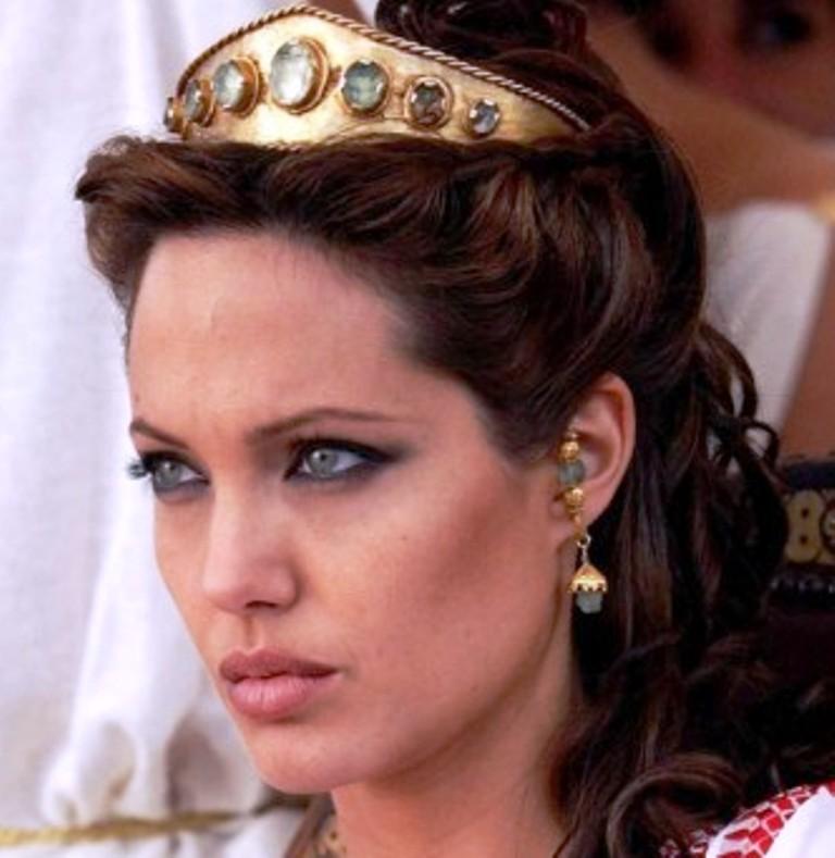 Анджелина Джоли выступит в роли режиссера, продюсера и Екатерина Великой в фильме о любви императрицы