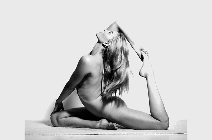 Йога без одежды смотреть онлайн