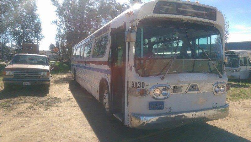 Джесси Липскин влюбилась в автобус GMC 1966 года и решила превратить его в дом на колесах автобус, дизайн, дом, идея, проект, сделай сам, фото