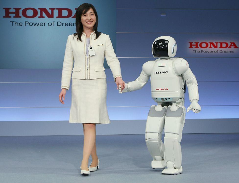 1348 Стирая границу между роботом и человеком
