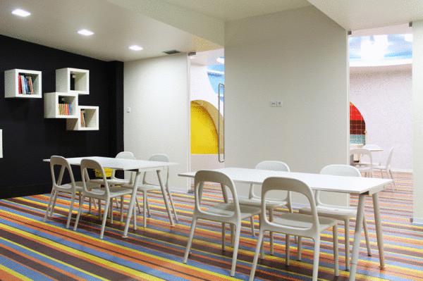 Читальный зал и творческое пространство.