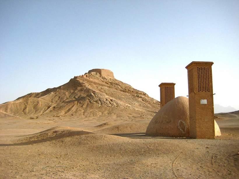 Древние иранские холодильники: как персы получали лёд в пустыне и хранили его летом
