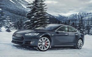 Tesla Model S 100D проехала более тысячи километров без подзарядки