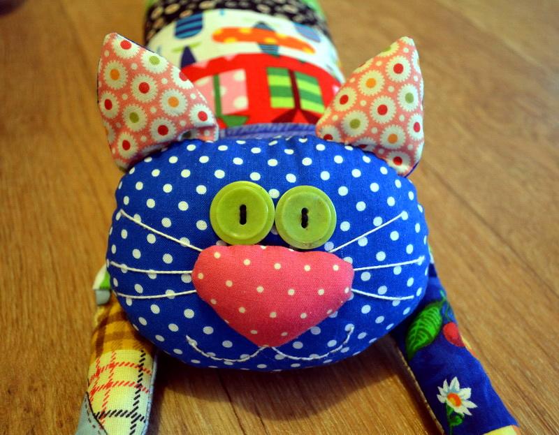 Подушки-кошки своими руками пэчворк