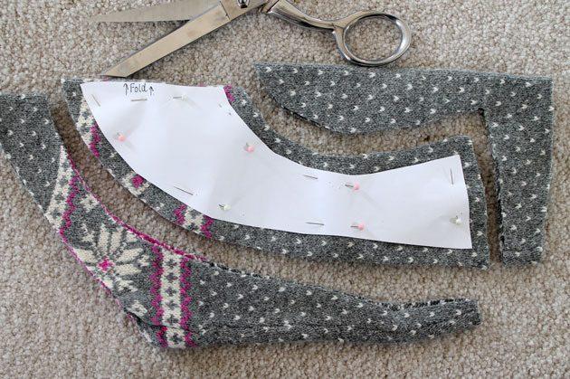 Вырежьте ножницами деталь из материала по выкройке с отступом от краев