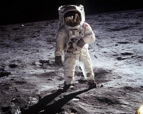 В лунной афёре США поставлен…