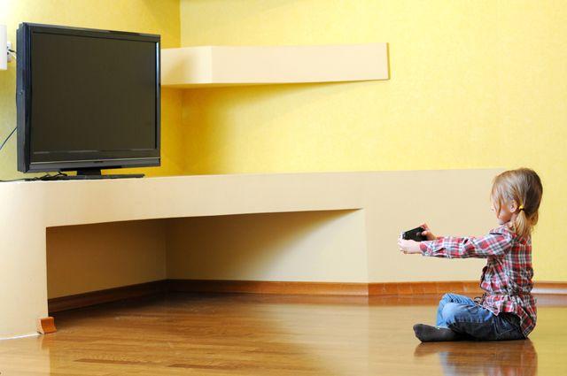 Смотрим без остановки. 5 причин детской зависимости от мультфильмов