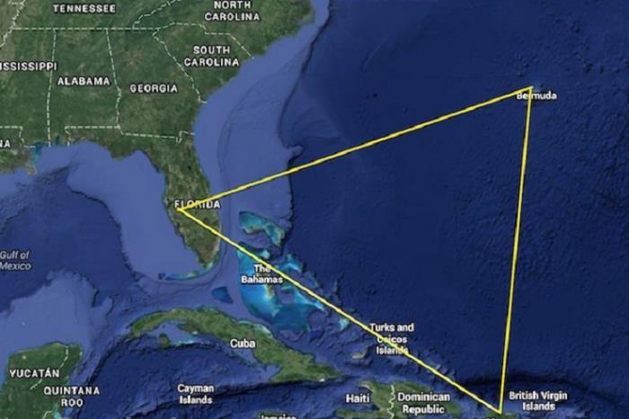 В Бермудском треугольнике разбился самолет с детьми на борту