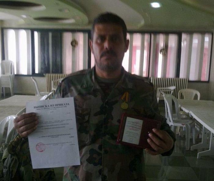 Сирийский спецназ получили российские медали за спасение штурмана  (4 фото)