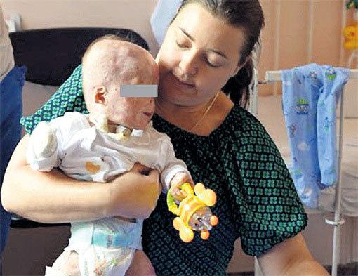 Наталия ТУПЯКОВА с маленьким Матвеем. Фото: vk.com/club107555196