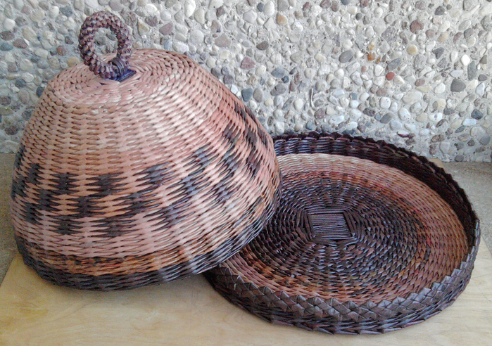Плетение из газет. Овальные и круглые ХЛЕБНИЦЫ с крышками. Мастер-классы (24) (700x492, 560Kb)