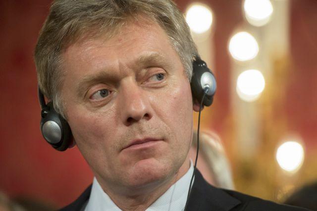 Песков сообщил о 60 ложных звонках о бомбах на пути кортежа Путина
