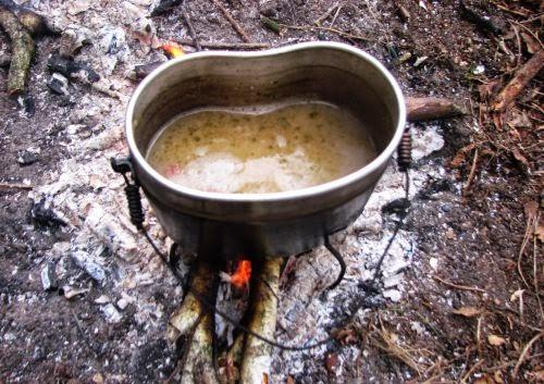Походная кухня. Гороховый супец на костре