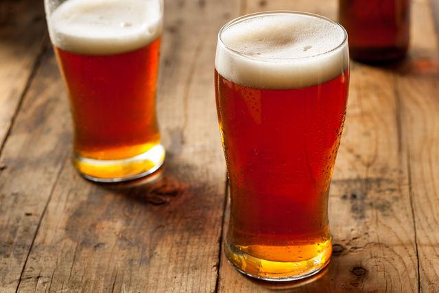 Вода для пива должна быть свежей, чистой и мягкой, поэтому лучший вариант — фильтрованная или кипяченая вода