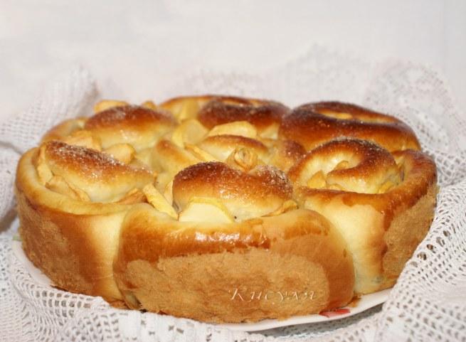 Необычный пирог с тройной начинкой и яблоками