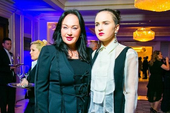 Лариса Гузеева вывела в свет 16-летнюю дочь