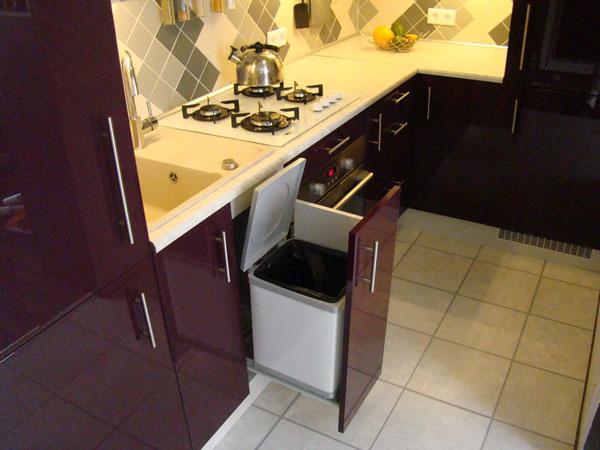 Интерьер кухни с пеналом фото