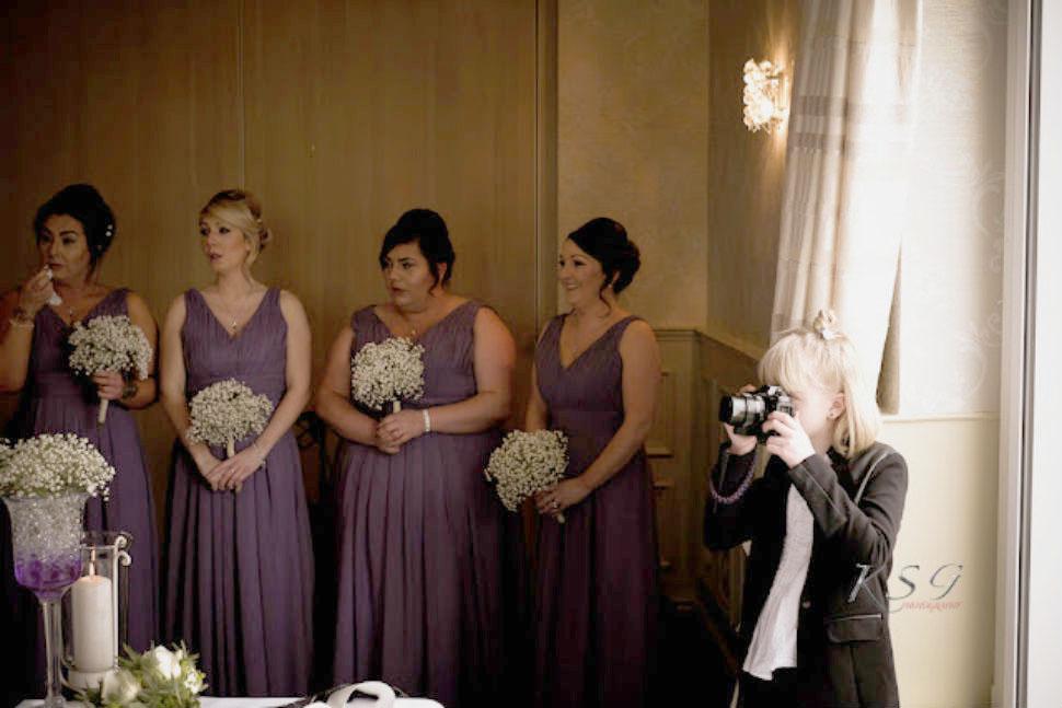 Как 9-летняя девочка стала успешным свадебным фотографом