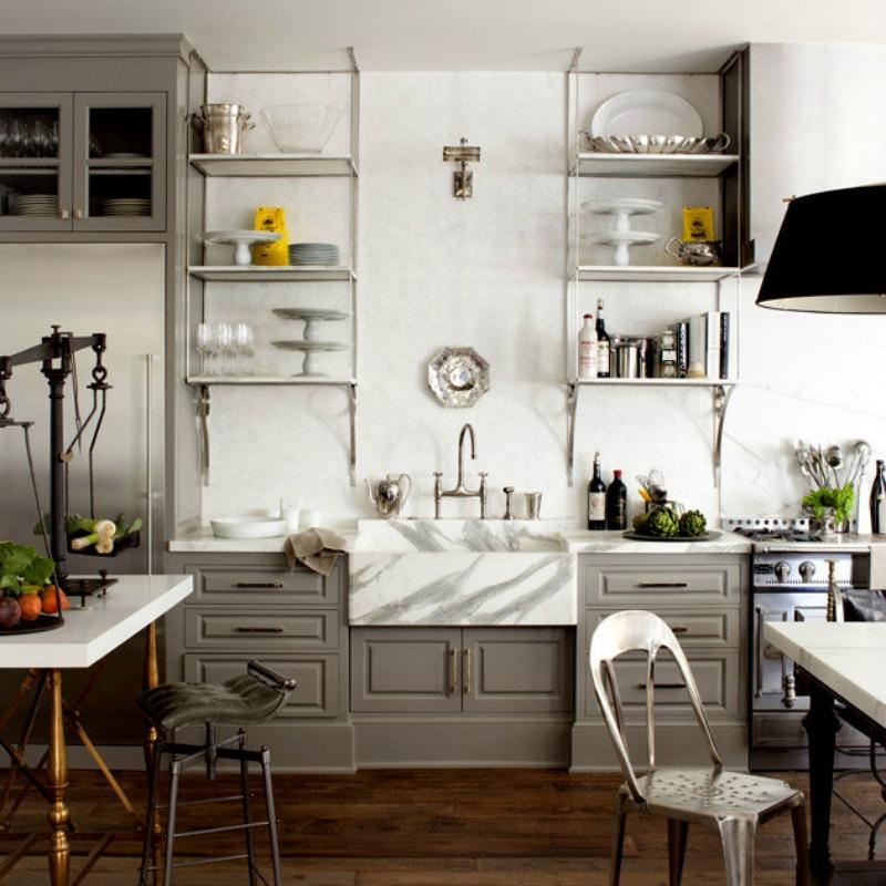 Карьерный мрамор на кухне от Mackenzie Pages