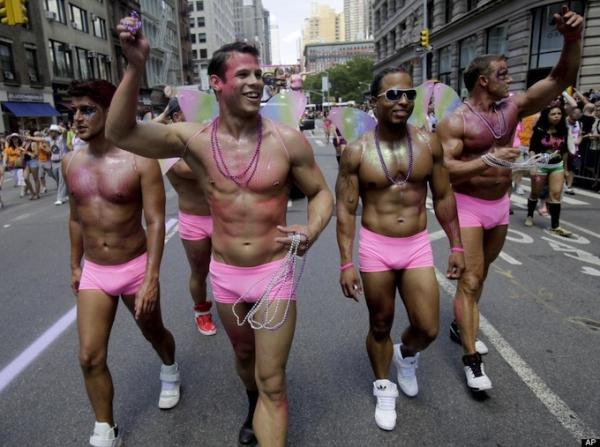 Стрельба на гей-параде в США, есть пострадавшие