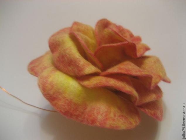 Сухое валяние роза47 (635x476, 119Kb)