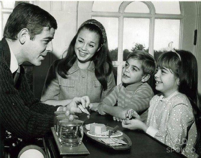 7-летний Джордж Клуни, вырастет, и будет выглядеть в точности как его отец, 1968 дети, известность, история, фото