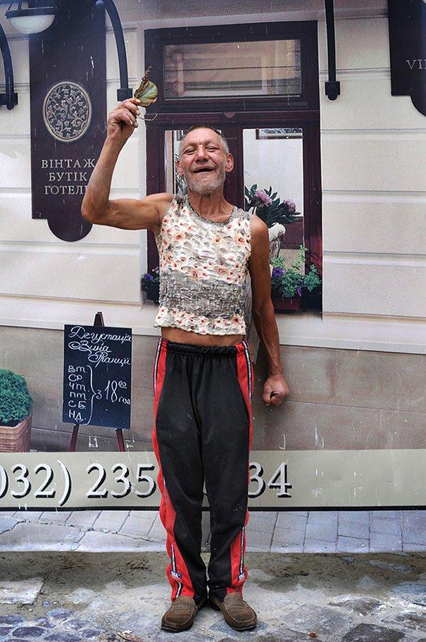 55 летний львовский бомж самый модный бездомный в мире (10)