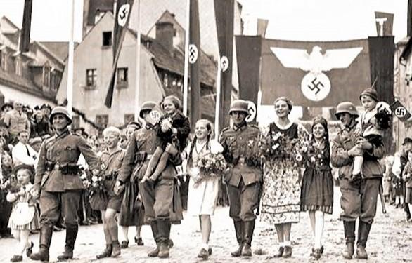 Когда во время войны начали поступать первые военнопленные