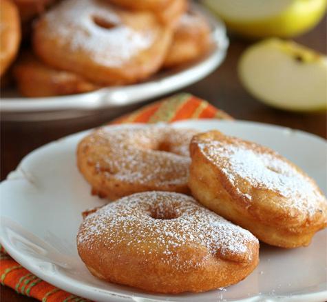 Голландские пончики с яблоками